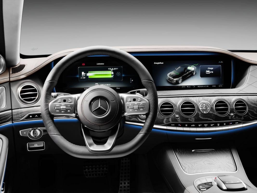 (FRANKFURT) Mercedes-Benz S 560e Mercedes-_Benz-_S560e-6
