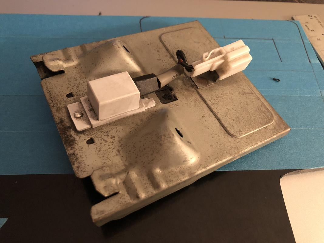 Ash tray bracket F2504_CBB-_F7_BF-4_EDD-_A6_C6-_FC5_B8_DA5062_F