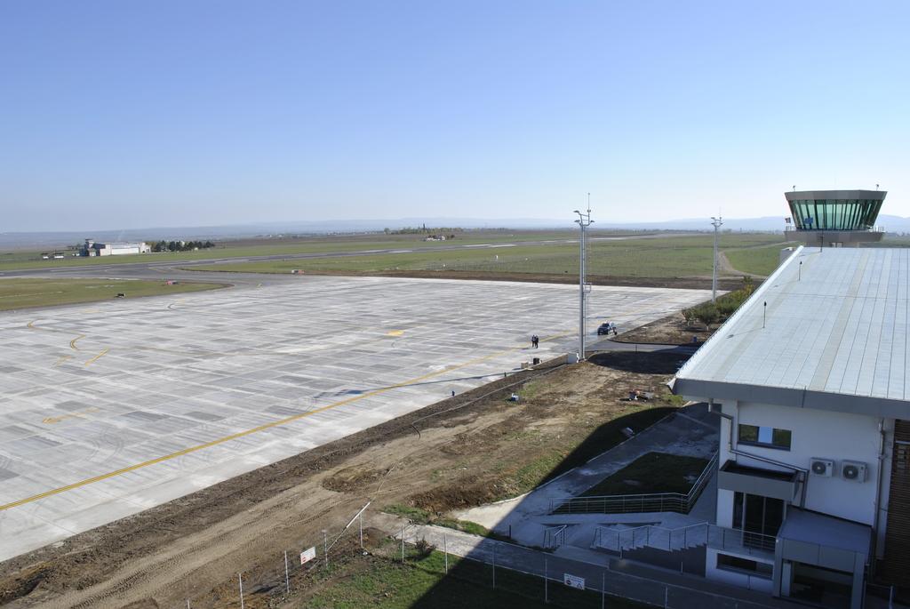 AEROPORTUL SUCEAVA (STEFAN CEL MARE) - Lucrari de modernizare - Pagina 5 DSC6347