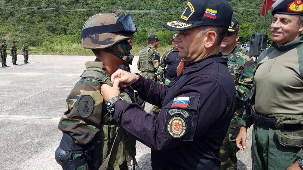 Armed Forces of Venezuela Photos - Page 6 DJulqn7_Xc_AAr_PRS