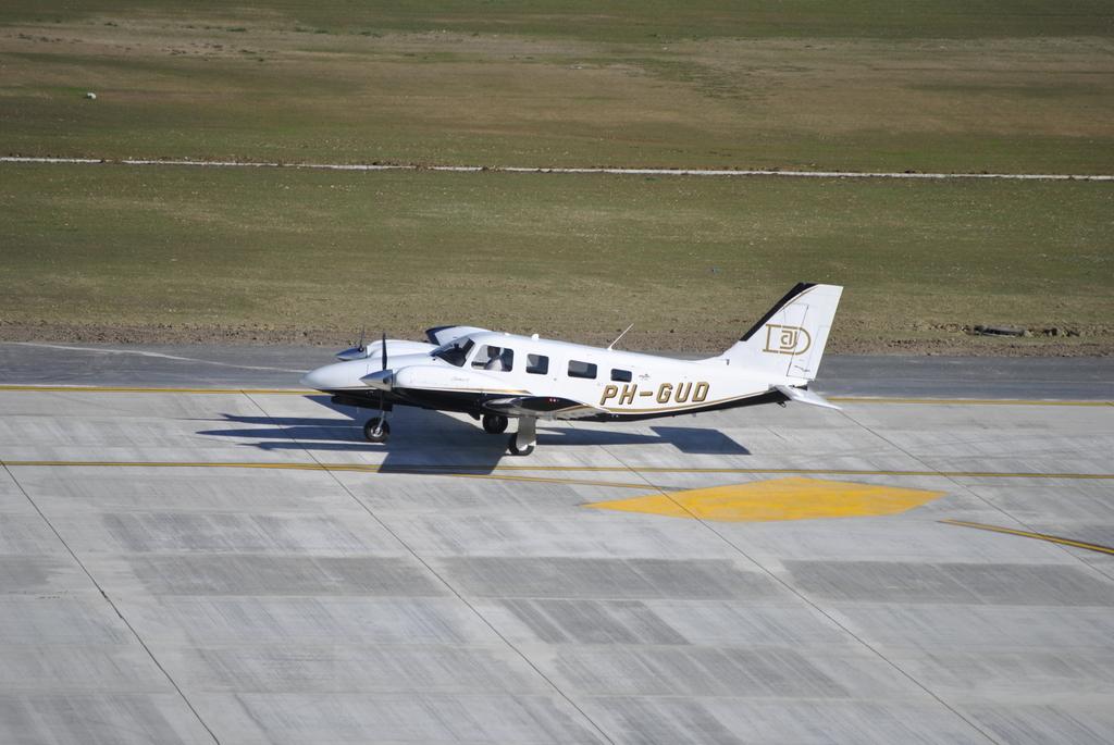 AEROPORTUL SUCEAVA (STEFAN CEL MARE) - Lucrari de modernizare - Pagina 5 DSC6424