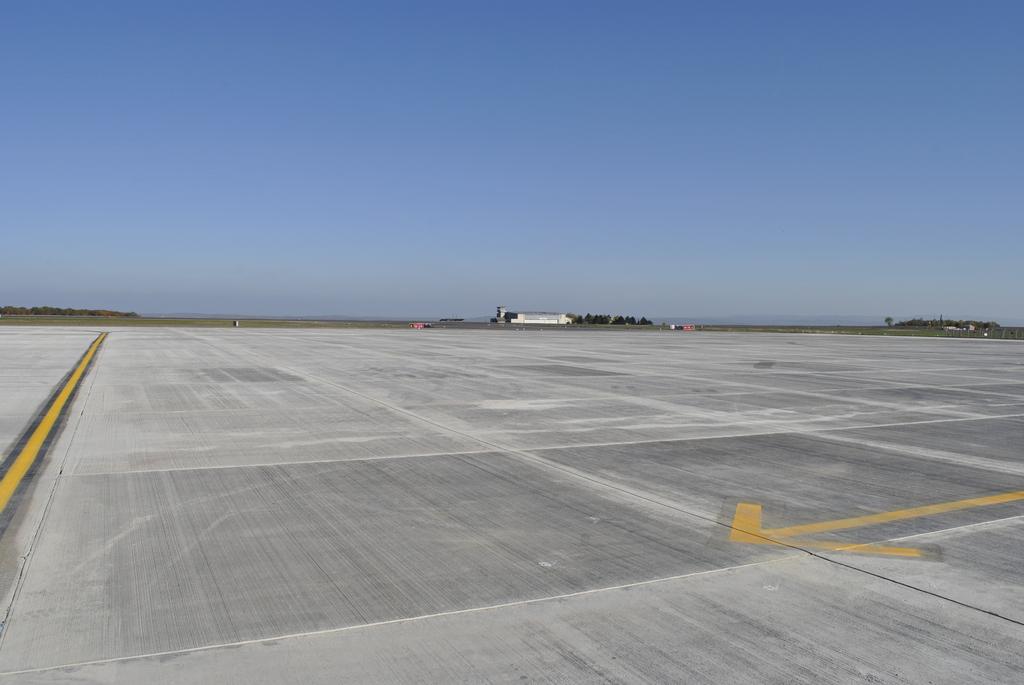AEROPORTUL SUCEAVA (STEFAN CEL MARE) - Lucrari de modernizare - Pagina 5 DSC6469