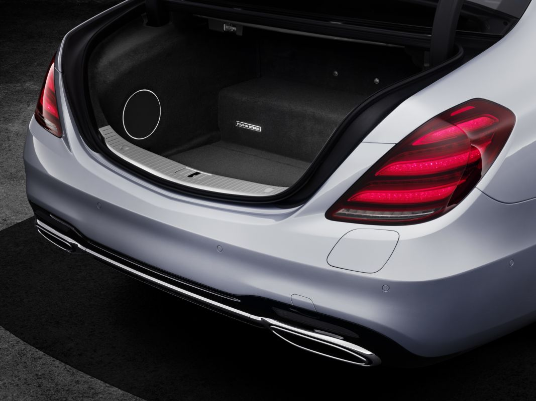 (FRANKFURT) Mercedes-Benz S 560e Mercedes-_Benz-_S560e-7