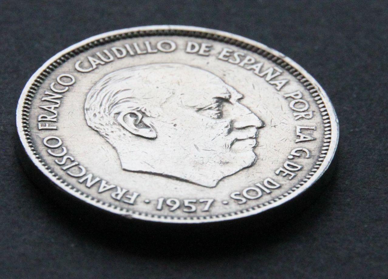 25 pesetas 1957 *61 IMG_1403