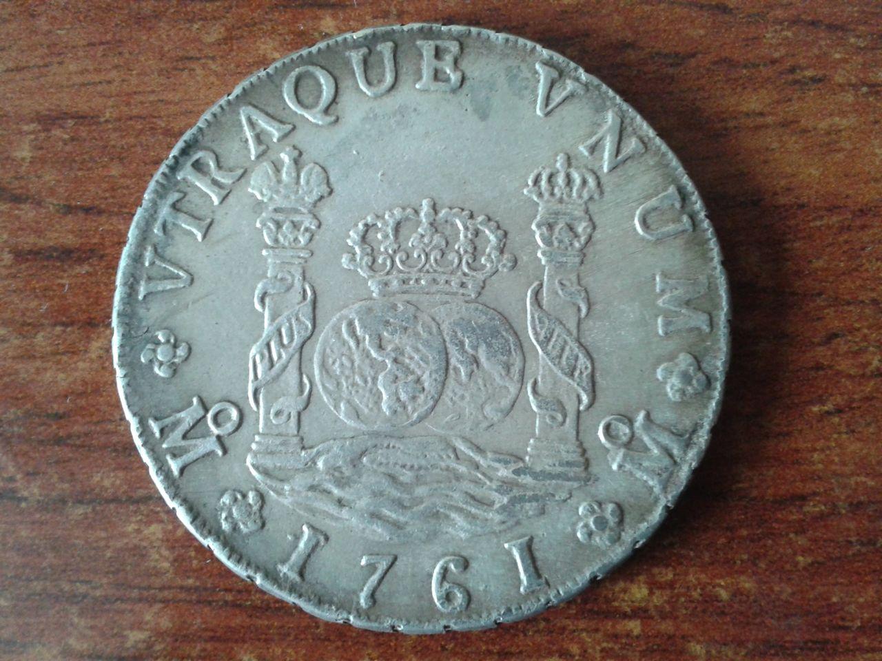8 reales Columnario 1761... ¿falso? 20141012_140227