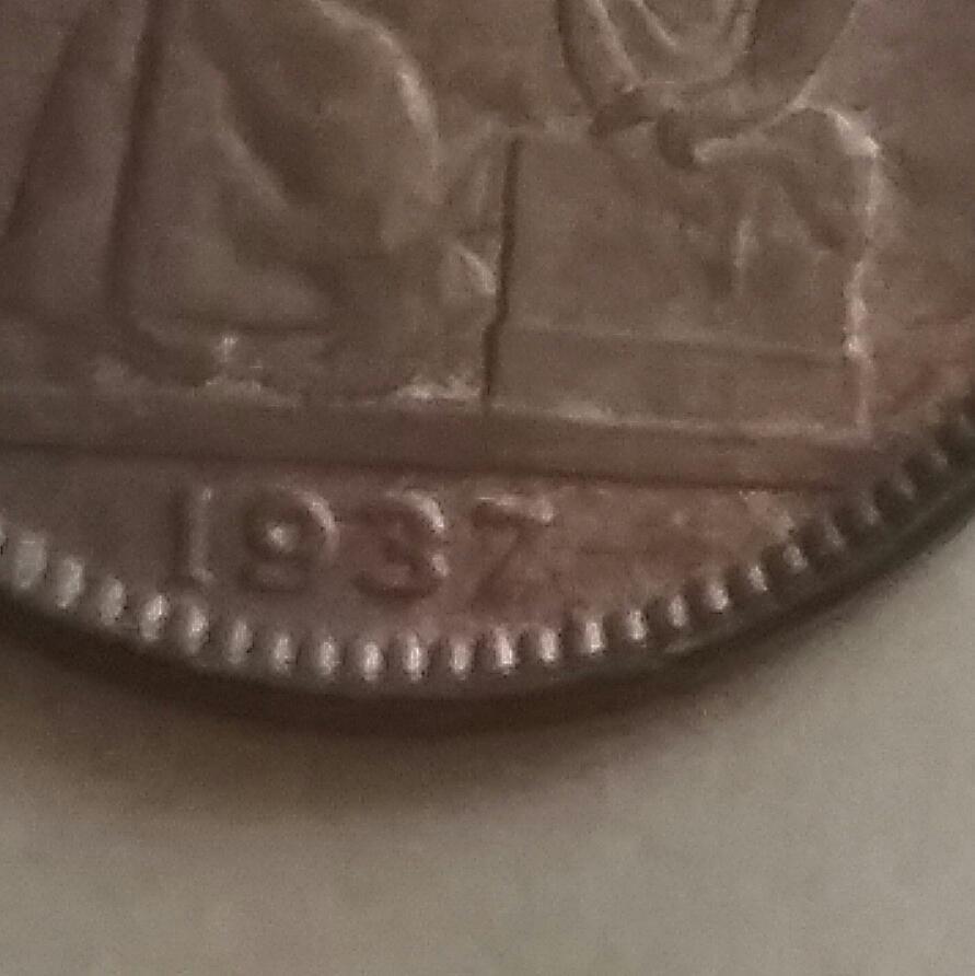 50 céntimos 1937. Segunda República. Orla de puntos cuadrados y sin estrellas. 20170824_142828