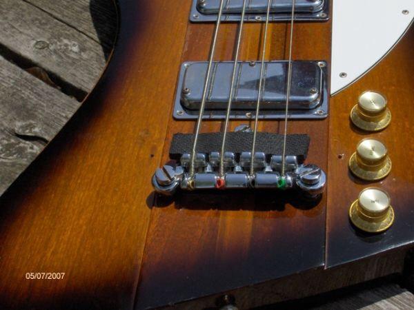 Dicas: tocar músicas em versão acústica no contrabaixo elétrico Image