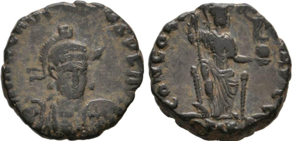AE3 de Arcadio. CONCORDIA AVGG. Constantinopla en trono. Constantinopla Arcadio_4