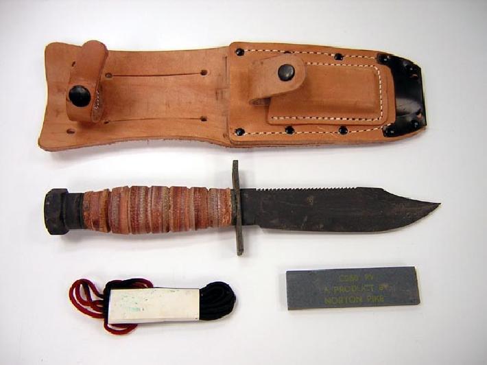 BISMARK VS HMS HOOD Usaf_knife_12