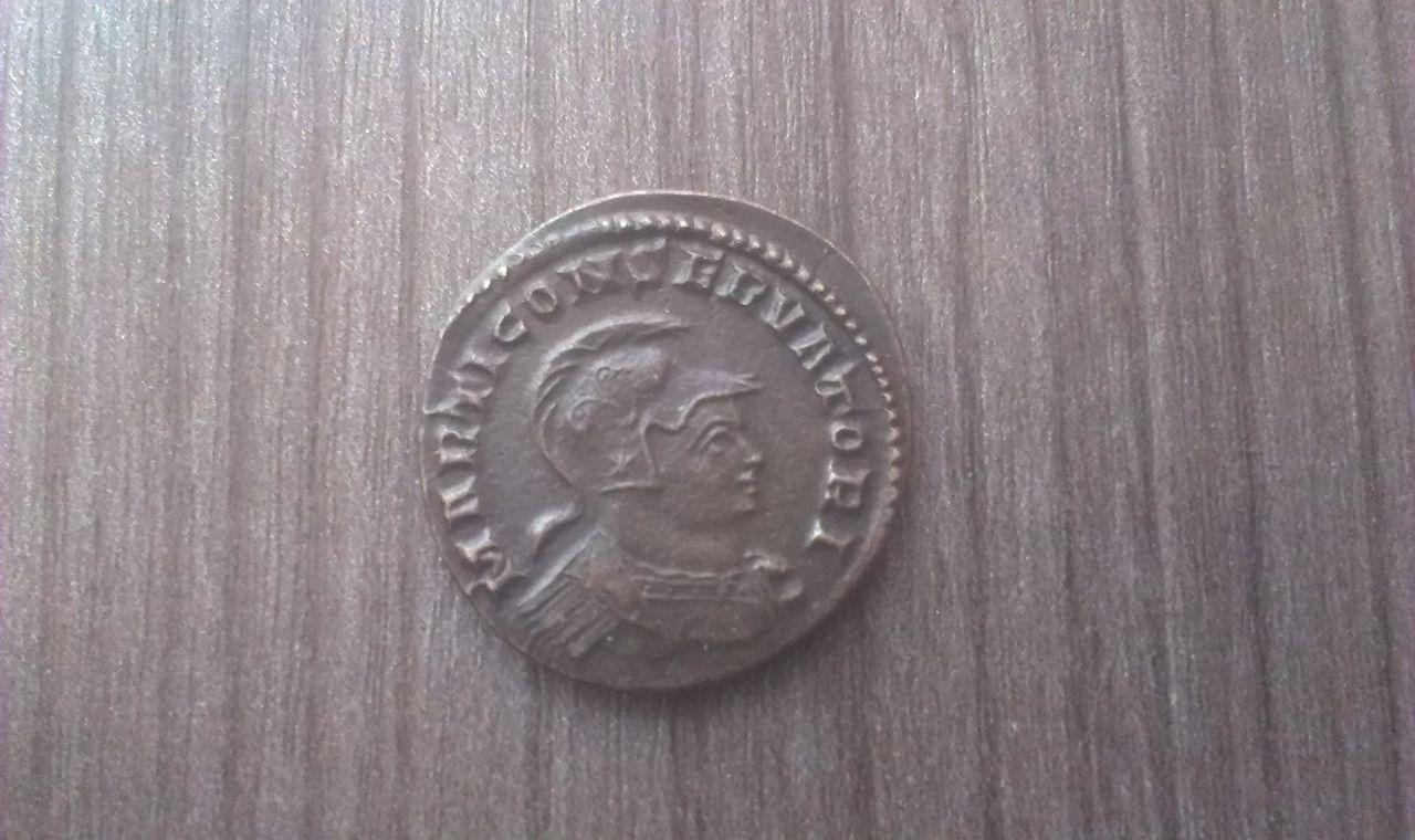 Nummus de Constantino I. MARTI CONSERVATORI. Trier. IMAG2242