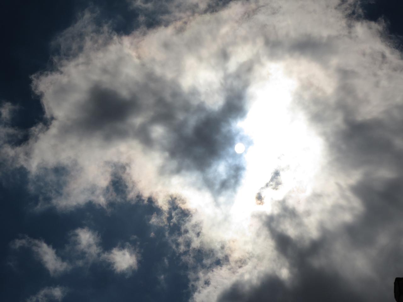Die Erde, in der wir leben und der Raum, der die Welt ist - Seite 6 Sonne_002