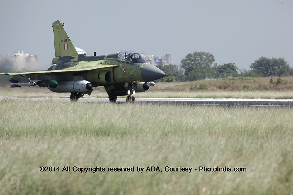 avion de chasse (HAL Tejas) IMG_2725_XL