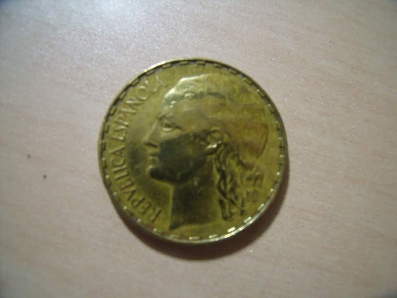 DUDAS en moneda 1 Pta. 1937 Variante_1_Pta_1937_003
