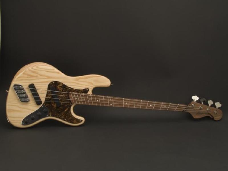 Projeto Jazz Bass 5 cordas M. Laghus 719_SJ4_Front