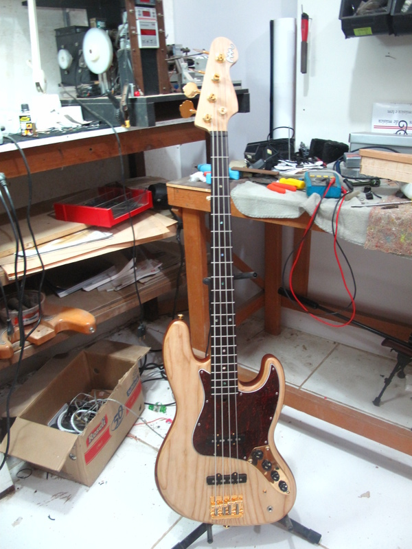 Projeto Jazz Bass 5 cordas M. Laghus Y0lk