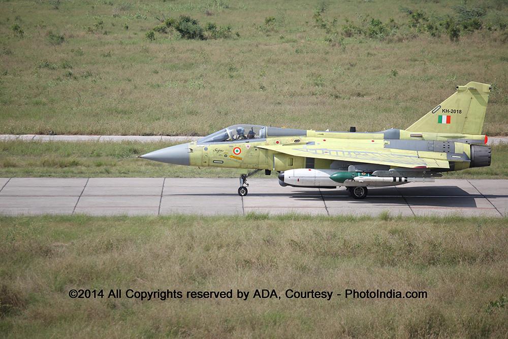 avion de chasse (HAL Tejas) IMG_2686_XL
