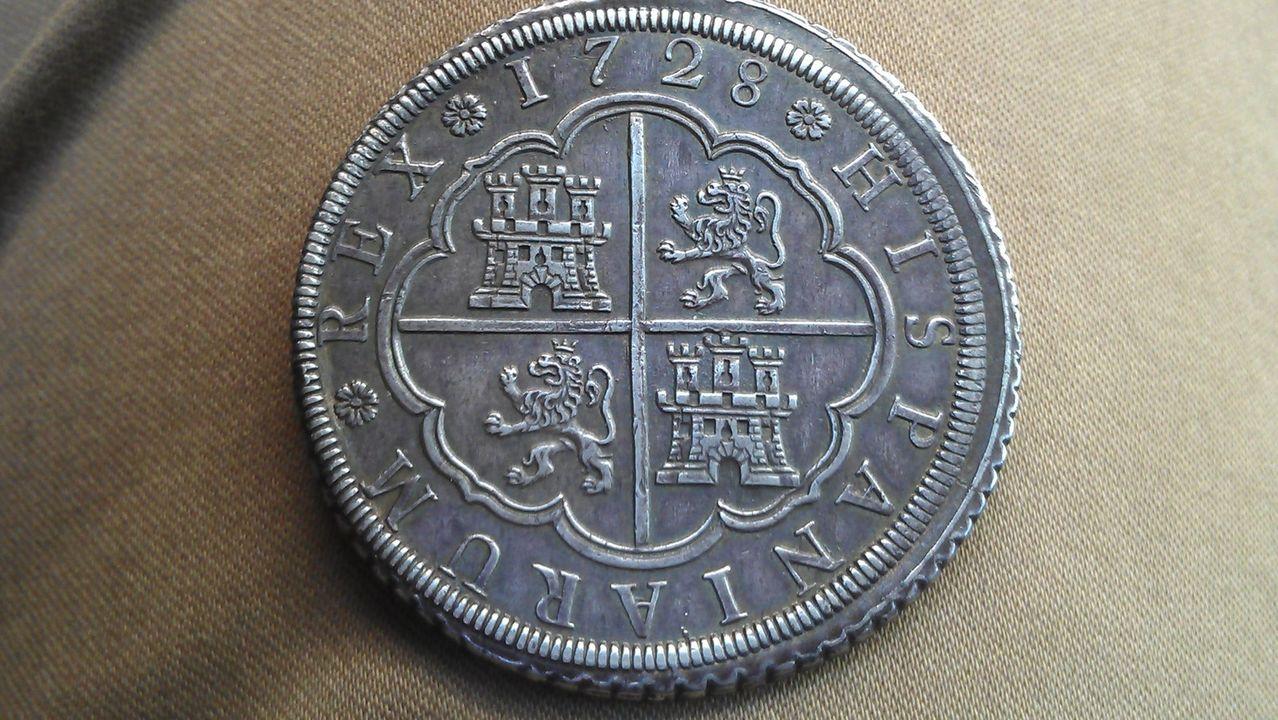 8 reales FELIPE V 1727 Segovia IMAG1977