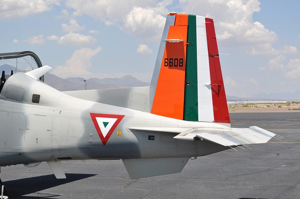 Beechcraft T6C  Texan  de la  FAM - Página 14 Yt6_1