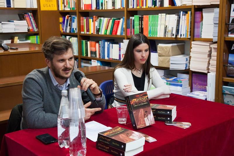 I Due Regni - La Città Intera Vol.1 di Alessia Palumbo 12308148_476734612504218_4613673238356853275_o