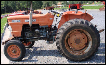 Hilo de tractores antiguos. - Página 3 KUBOTA_M4000
