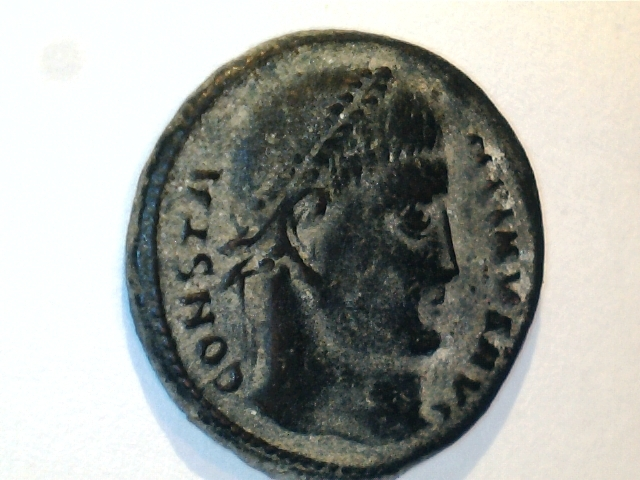 AE3  de Constantino I. D N CONSTANTINI MAX AVG - VOT.XX. Ceca Tesalónica. Image