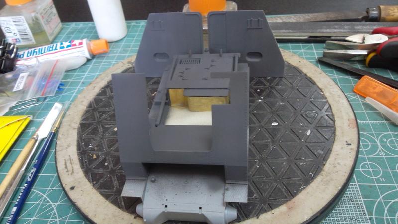 Bison / 15cm siG 33 auf  Pz.Kpfw I, 1/35, (MSD 3508). 03_01