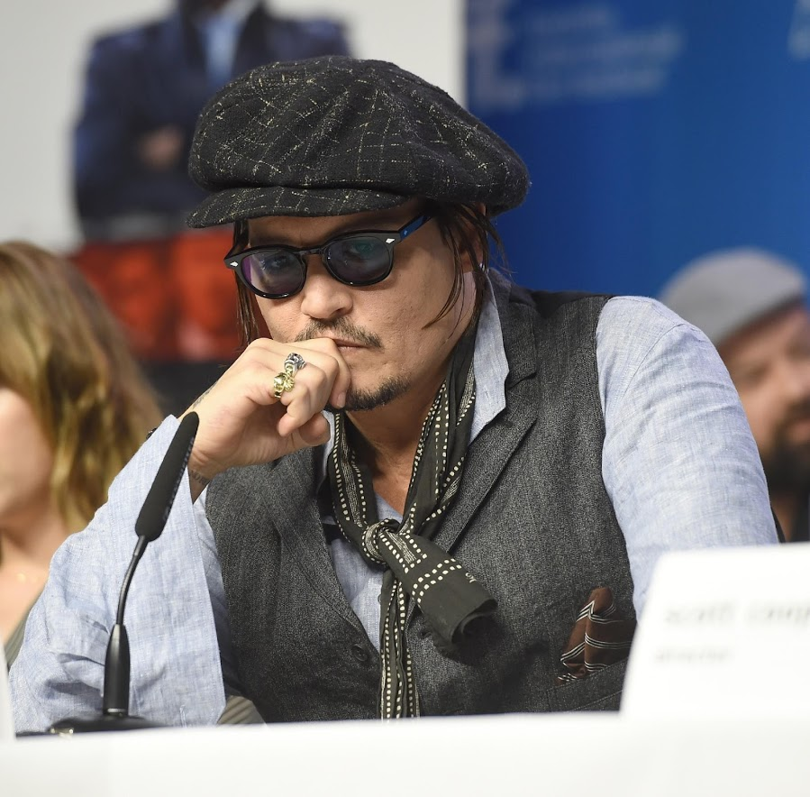 photos - Page 6 Celebrity_Flow_ru_Johnny_Depp_photo_2015_70341
