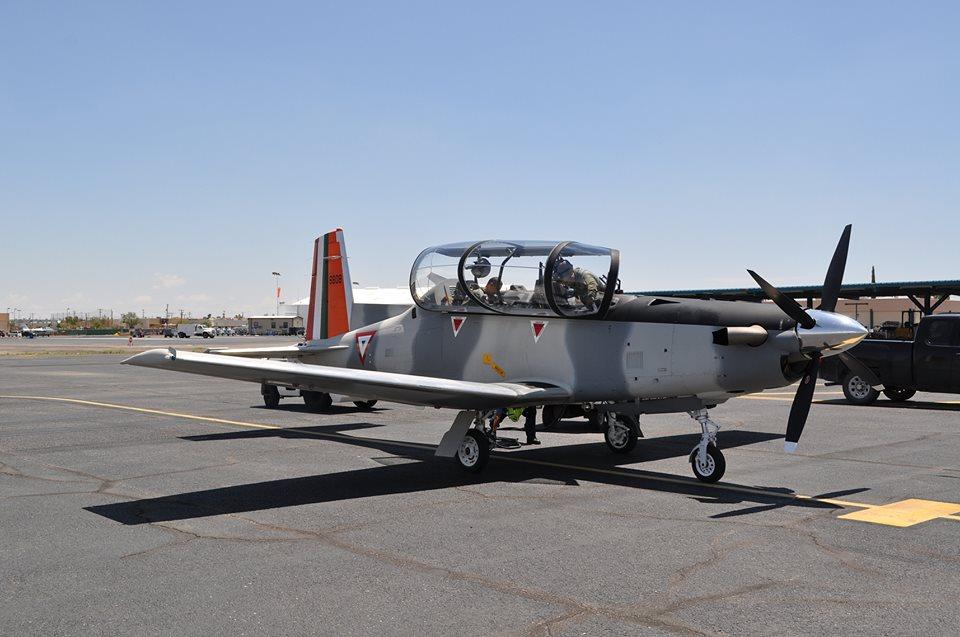 Beechcraft T6C  Texan  de la  FAM - Página 14 Yt6_3