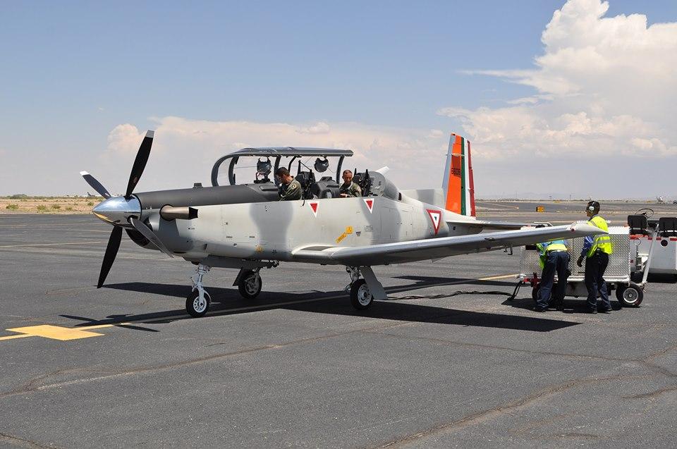 Beechcraft T6C  Texan  de la  FAM - Página 14 Yt6_2