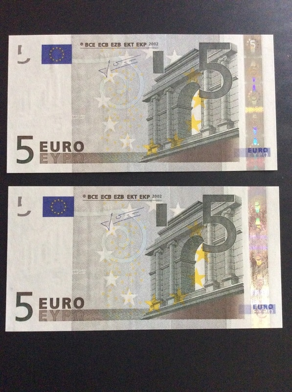 Duda con billetes de 5 euros correlativos IMG_0567