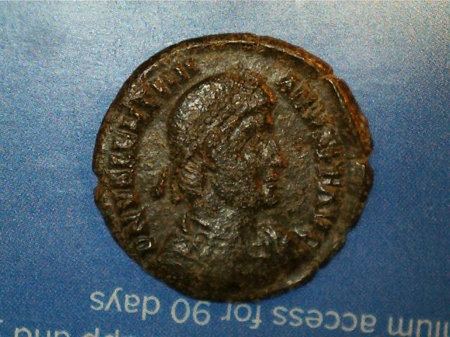 AE3 de Valentiniano I. RESTITV-TOR REIP. Emperador estante de frente. Ceca Cyzicus. 2017_01_16_0010_0_X