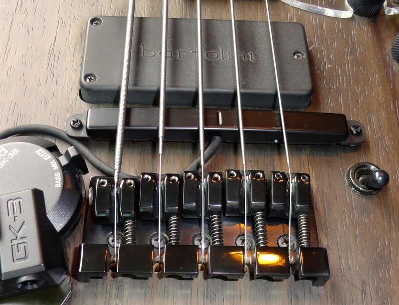 String Thru Body DSC03393