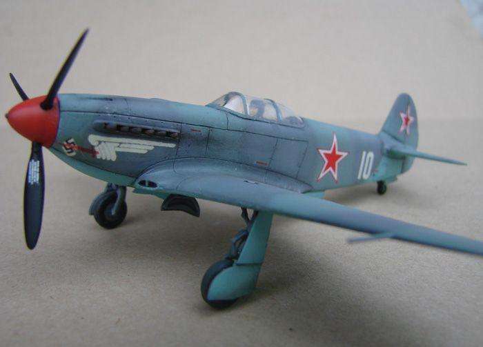 Do Božića, Yak-3, Zvezda, 1/72 - Page 2 DSC03012