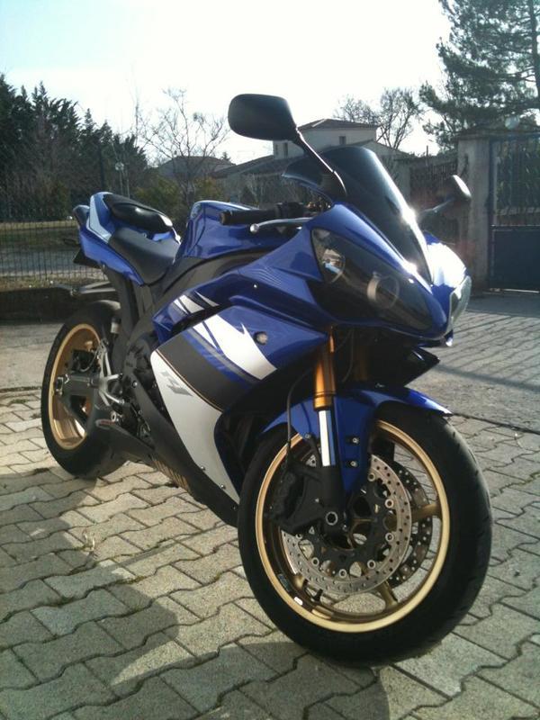 Yamaha R1 2008 426560_10151473848687661_134364448_n