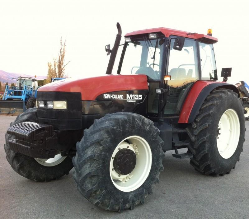 Hilo de tractores antiguos. - Página 25 New_Holland_M135