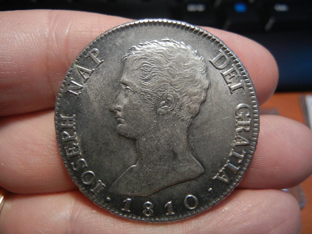 Diferencias en monedas de 20 Reales de Jose Bonaparte  DSCN0037