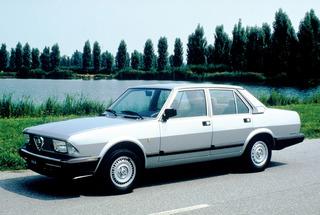 Auto Storiche in Brasile - FNM & Alfa Romeo - Pagina 2 Alfa_romeo_alfa_6_1