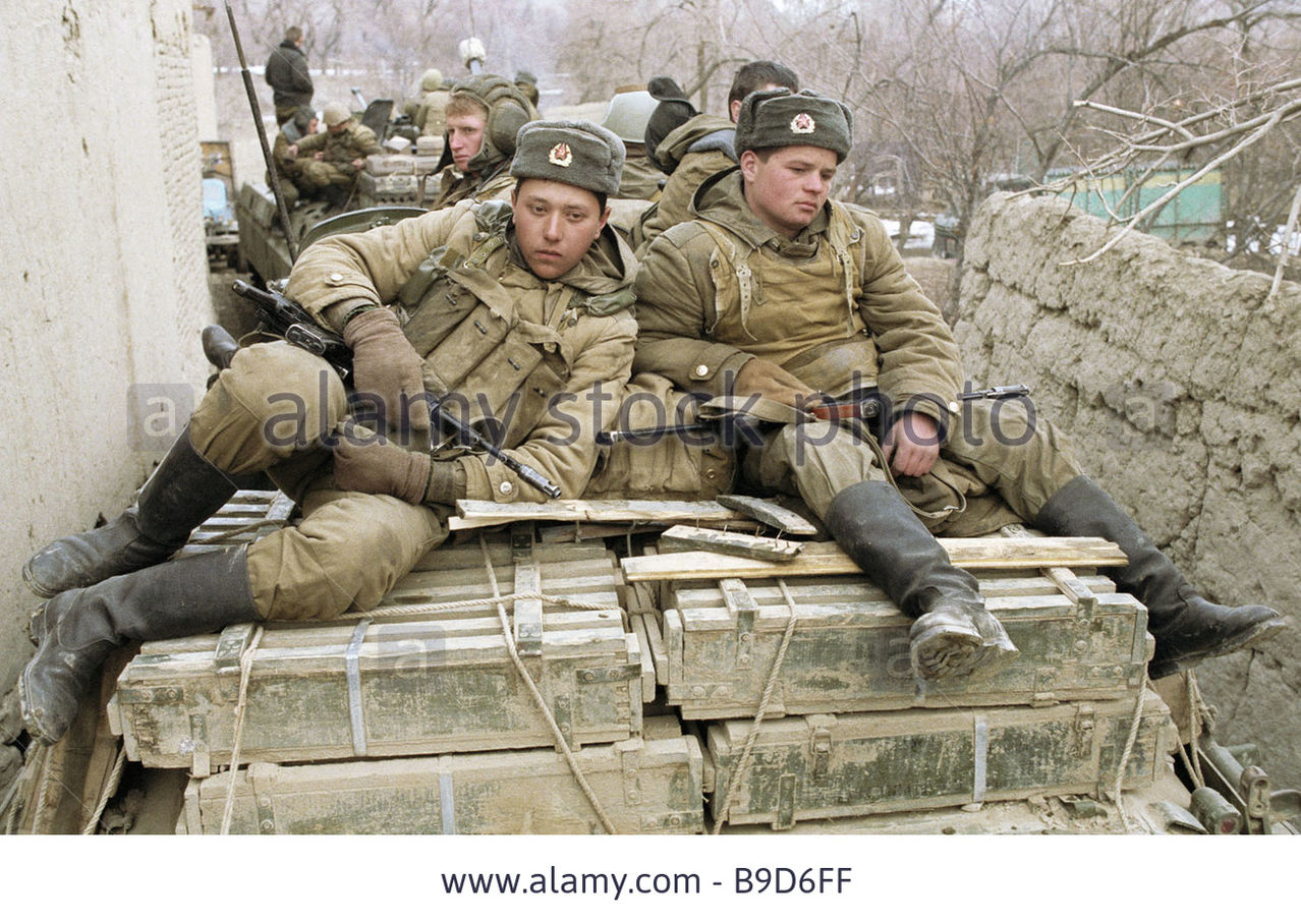 Soviet Afghanistan war - Page 5 Soldiers_of_soviet_troops_limited_contingent_dur