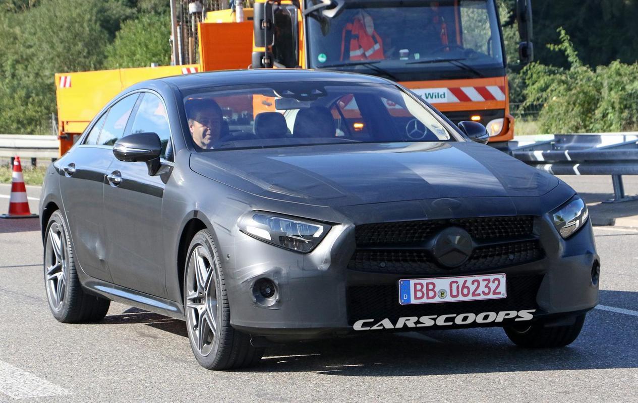 CLS 2018 pronta Mercedes-_CLS-_Light-_Camo-2