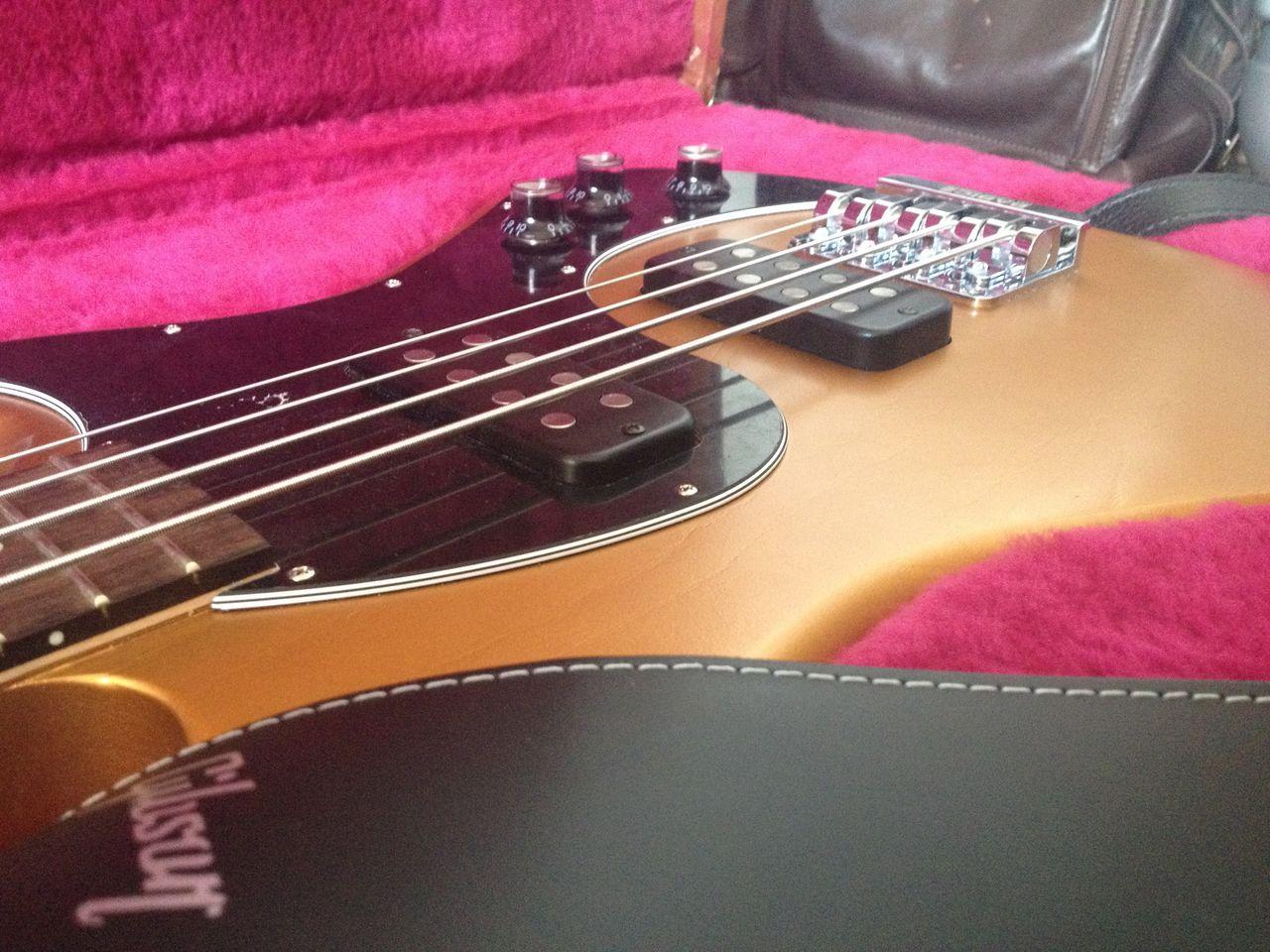Review Baixo Gibson Eb14 4 cordas Pull