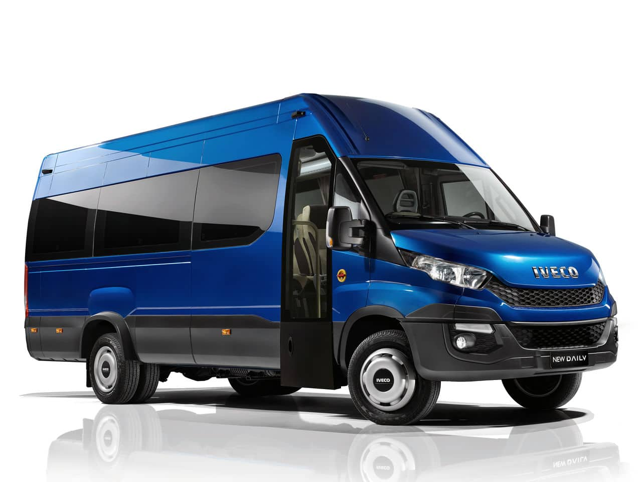 2014 - [Iveco] Daily - Page 2 Iveco_daily_minibus_2