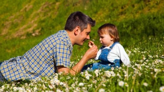 Biti tata Dad_Daugther_Daisies