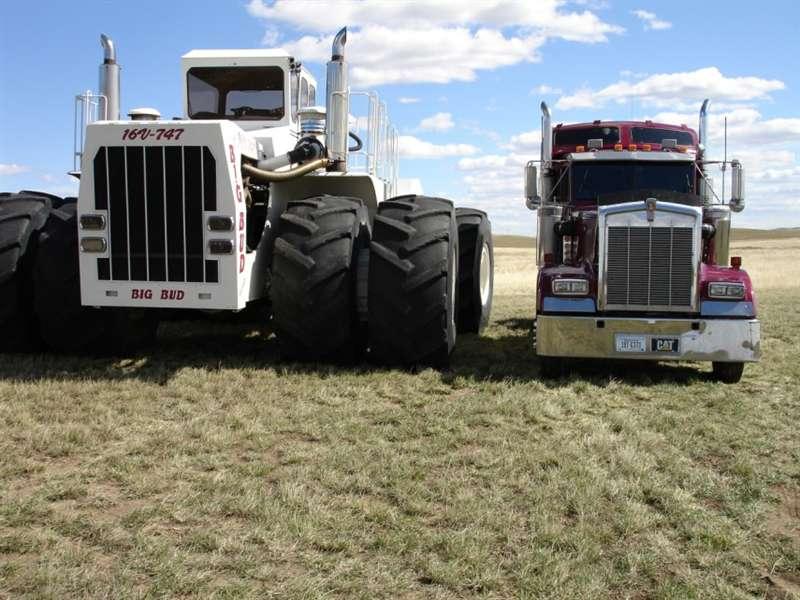 Hilo de tractores antiguos. - Página 5 BIG_BUD_747_16_V