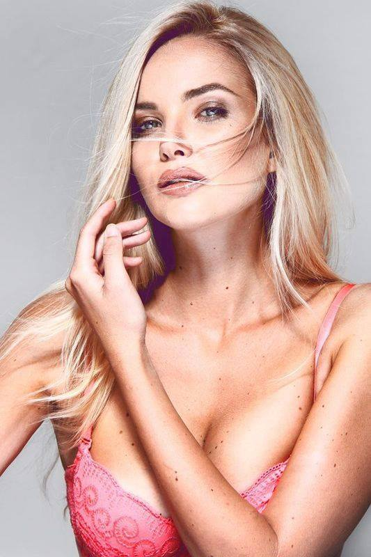 Miss Serbia for Miss Universe ( 1998 - 2015 ) - Page 2 10620650_828115033889039_5513504108624650085_n_j