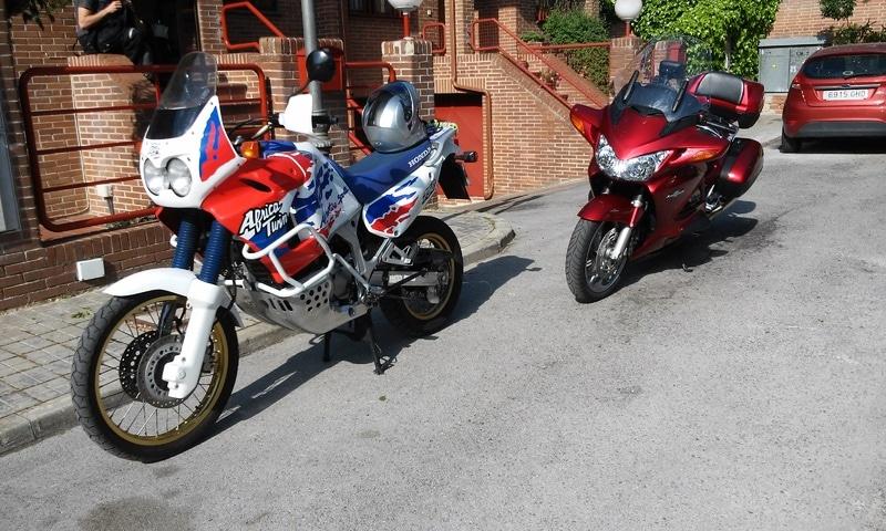 Otras motos de los participantes en el foro - Página 3 Africa_y_Panam