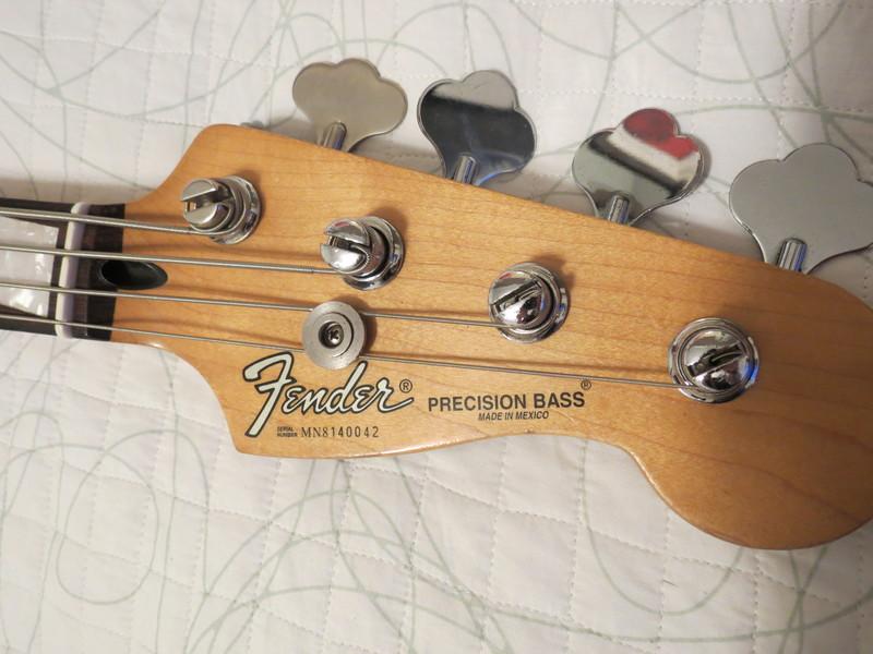 Dúvidas sobre um Fender(?) Precision IMG_4605