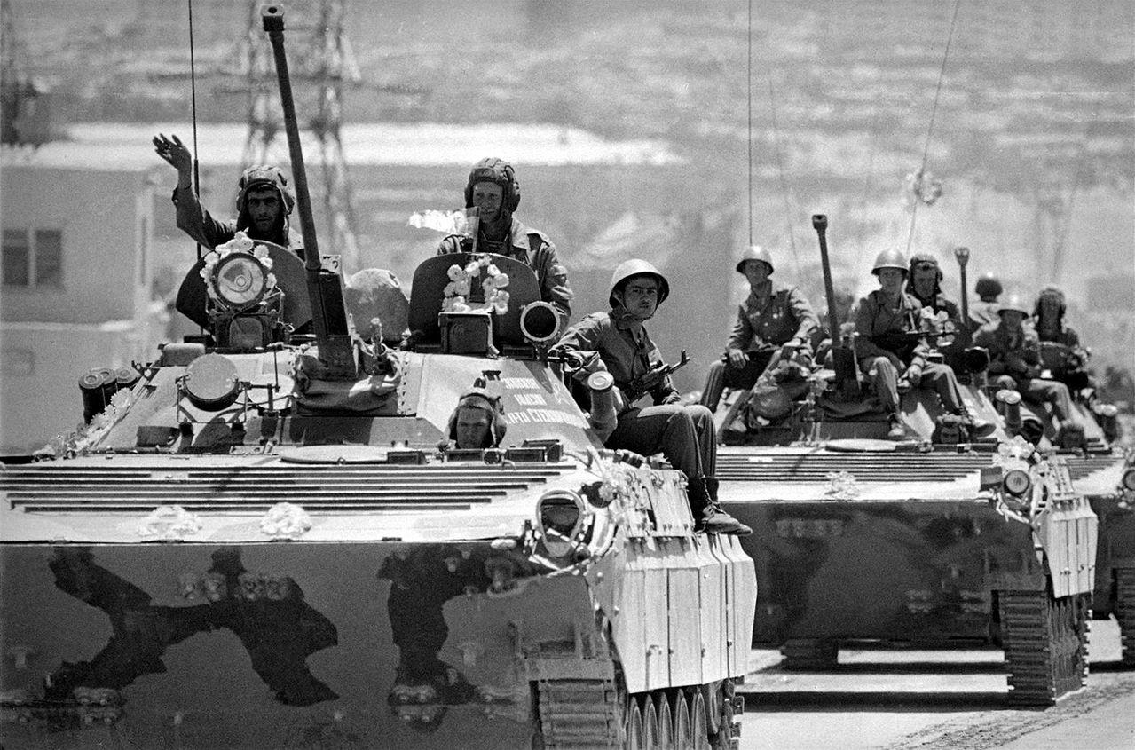 Soviet Afghanistan war - Page 5 0_13bd3a_d6944595_orig