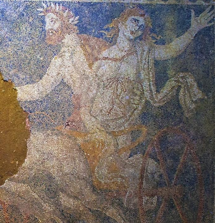 Nueva información tumba de Anphipolis Php_Thumb_generated_thumbnailjpg_CAILN1_K3