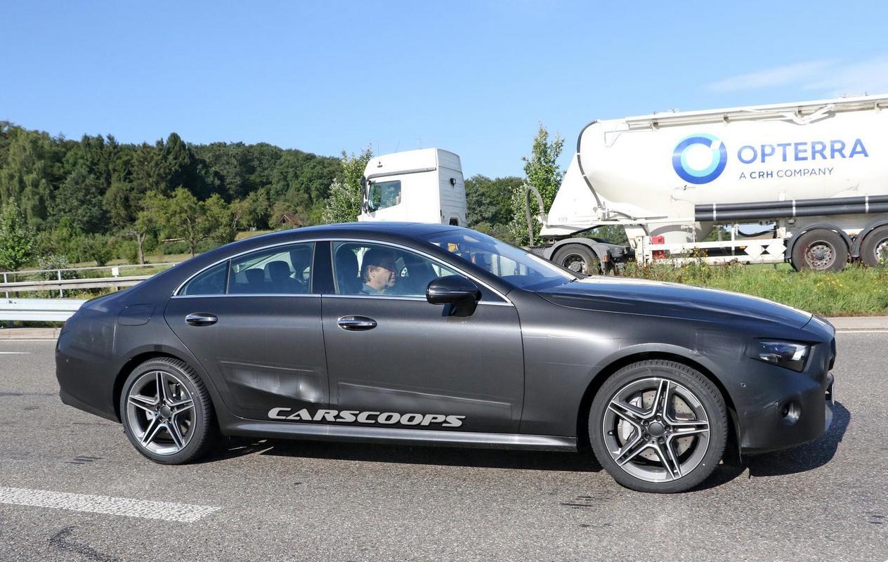 CLS 2018 pronta Mercedes-_CLS-_Light-_Camo-3