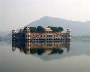 1 Nazarana Rupee 1911- Victoria [Madho Singh II] Jaipur (India) Th3